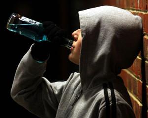 причини дитячого алкоголізму